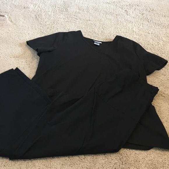 Women's black scrubs XL top / medium bottoms